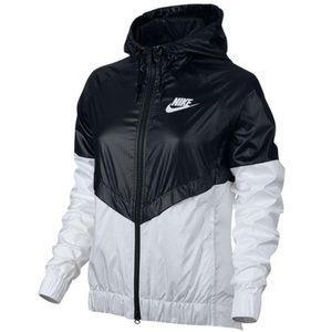 NIKE WOMENS WINDBREAKER JACKET